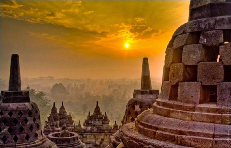 Candi Borobudur sunset