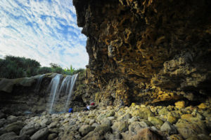 air-terjun-pantai-jogan-2